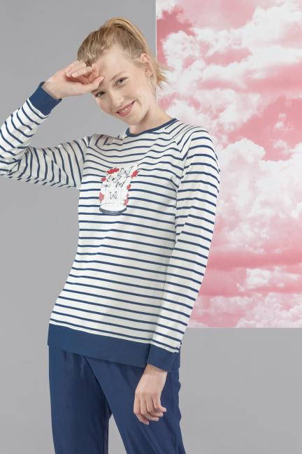 Pijama con camiseta de rayas