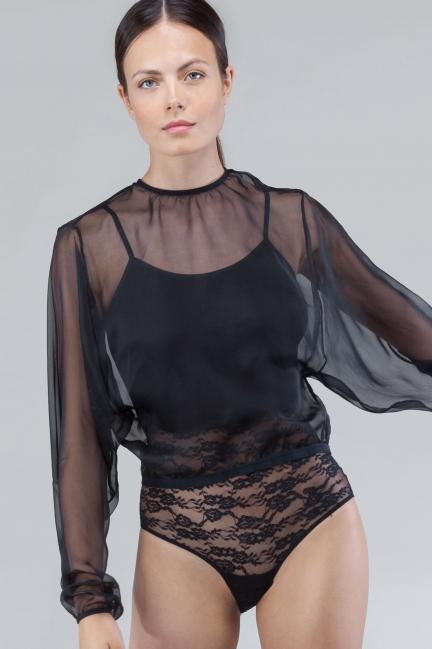 Body encaje y blusa de gasa
