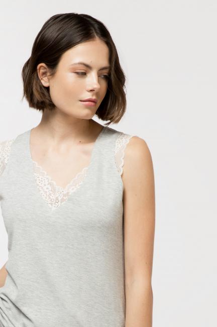 Camiseta algodón con encaje