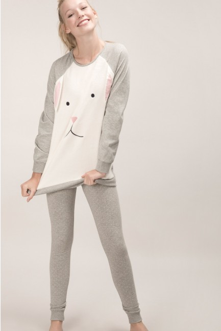 Pyjama set with a rabbit t-shirt