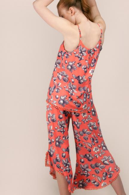 Pijama estampado con camiseta de tirantes y pantalón culotte