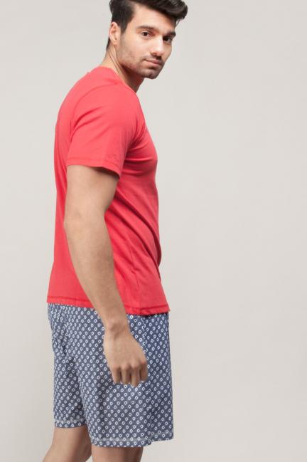 Pijama con camiseta y pantalón corto estampado