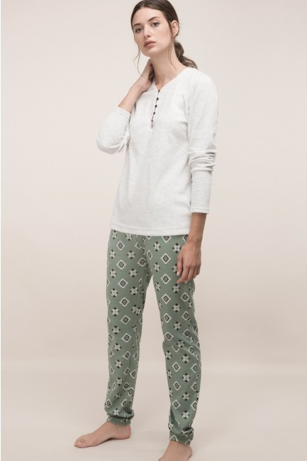 Pijama con pantalón estampado