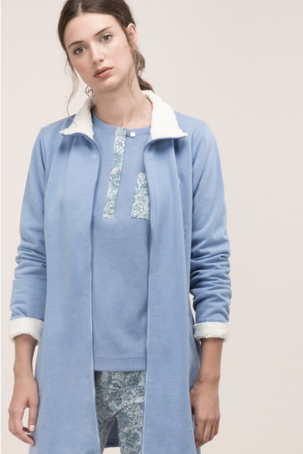 Pyjama set and dressing gown