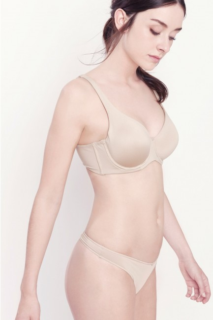 Maximum support full coverage bra
