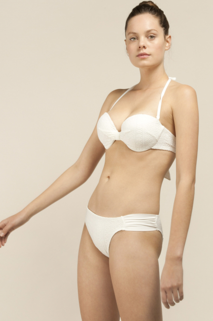 Bandeau top with detachable straps